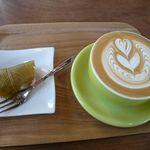 菓匠 幹栄 × Cafe Latte 57℃ - カフェラテとさくら餅