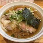 大阪麺哲 - 「醤油雲呑」900円