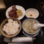 たんや善治郎 - 牛タン定食4枚