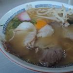 カクモト中華そば - やわらかなアッサリ白系徳島ラーメン。その中でも上質な一杯