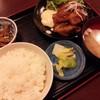 ハマユウ - 料理写真:チキン南蛮。漬物・小鉢・味噌汁付きで880円也。