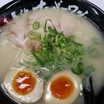 長浜ナンバーワン - スープは堪能。2017.2