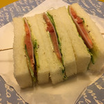 シーザー - サンドイッチのアップ