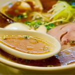 寿限無 - 魚介の旨味たっぷり甘みとコクのあるスープ