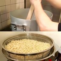 【モッチモチの極太熟成麺】
