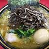 上越家 - 料理写真:中盛ラーメン¥780+本日のサービストッピングきくらげと味付き卵¥100