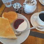 カフェマタン スペシャルティーコーヒービーンズ - 料理写真:モーニングA(ヨーグルト)