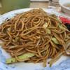 ぎょうざの満洲 - 料理写真:ソース焼きそばと餃子 691円。