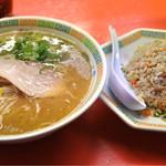 長崎うまか亭 - 豚骨ラーメンのチャーハンセット