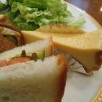 トリコロール - チーズケーキ付き