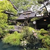秋川渓谷を臨む築齢270年の庄屋屋敷でゆったりと