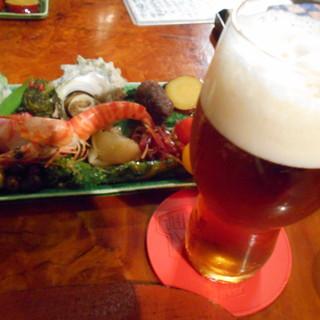 粥茶屋 写楽 - 料理写真:お通しとビール