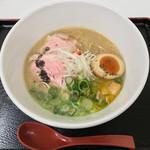 喜元門 - 名古屋コーチン鶏白湯 フォアグラとトリュフオイルのバルサミコソース