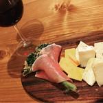 ナゴヤ86スタイル - チーズ盛り合わせ(ハーフ)