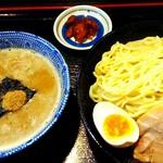 麺屋 暁 - 料理写真:濃厚魚介つけ麺450g700円
