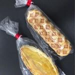 ジャマイカ - チーズドック¥120、クリームポテト¥120