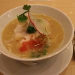 銀座 篝 - 鶏白湯SOBA(950円、斜め上から)