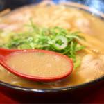 うま屋 - あっさりコクのある豚骨スープ