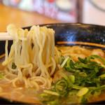 うま屋 - 麺リフト