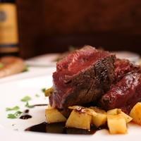 馬肉のフィレステーキ マデラソース