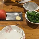 蛸家 - 冷やしトマトと枝豆