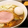 麺 みつヰ - 料理写真:醤油・中太手もみ麺+味玉 750+100円 かなり醤油の風味が強いスープです。