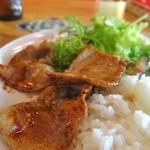 カフェ 鎌倉美学 - 850円のプレートランチ:豚肉のチェリーブランデーソテー