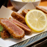 博多 悠牛亭 - 牛かつ膳Mサイズ 1,480円。ポン酢・薬味(大根おろし・わさび・ネギ)・中濃ソースで頂きます。