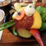タケウチ - 煮込みハンバーグカレー850円