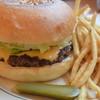 バシ バーガー チャンス イケブクロ - 料理写真:チーズバーガー1130円