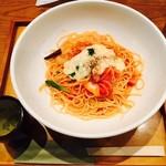 釜あげスパゲティ すぱじろう - とろ~りチーズと厚切りベーコンと玉ねぎのピリ辛アマトリチャーナすぱ(¥980)