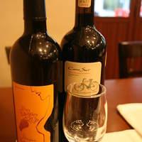 豊富なこだわりの自然派ワイン