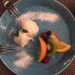 BAR AMARENA - フルーツとアイスクリーム〜