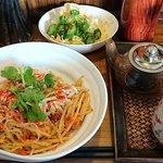 杏's cafe - 料理写真:杏's cafe @花小金井 ランチ パッタイ 800円(税込864円)ランチに付くドリンクはタイ紅茶を選んで