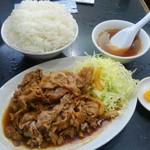 中国料理 登龍 - 焼肉定食の全貌です、これで680円とはコスパが良いよなぁ。