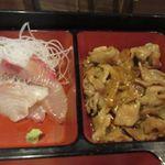 京のあかり - 刺身と一緒に添えられたこの日の日替わりのおかずは焼肉のタレ焼きでした