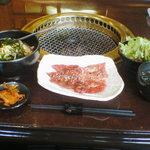 焼肉 ぐろーばる - 和牛ロース&和牛カルビ定食1180円
