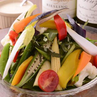 瀬戸内海周辺で収穫された新鮮野菜を使用