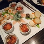 63133781 - 【前菜】サーモンのポテトサラダ・バゲット添え、赤鶏の生ハム・翡翠胡麻ソース、クワイと人参のふんわり天