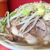 ラーメン二郎 - 料理写真:ぶた入りラーメン700円