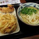 63141742 - 丸亀製麺 「かけうどんと天ぷら」