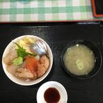 余市川温泉 - 海鮮丼です