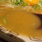 ヒノマル食堂 - 濃厚豚骨スープ?