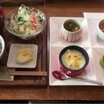 チロルカフェ - ランチ限定15食