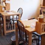 フジヤマプリン - 店内(テーブル席)