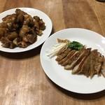 中華料理 桃園 - 持ち帰りの豚足と大腸唐揚げ