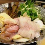 63217725 - あなごと鶏ハラミのすき焼き鍋定食 980円