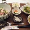 きりん食堂 - 料理写真:まぐろのたたきとアボカドごはん定食@900