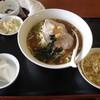 北京家庭菜 - 料理写真:満腹定食Aセット味噌ラーメン(税込み680円)