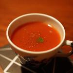 バー・バーンズ - 料理写真:クラマト トマトジュース とハマグリのスープ